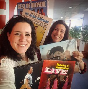 Laura Pardo con Lidia Cossío en Entre dos luces de RNE