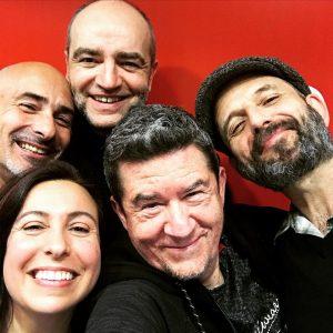 Laura Pardo con Carlos Santos y Los Enemigos